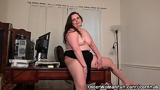 American milf Lexy James shows off her office skills
