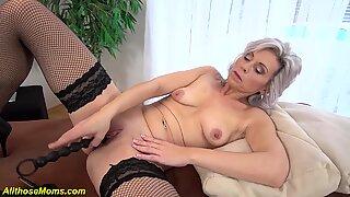 skinny grandma toying her old dry pussy