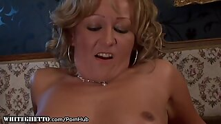 Granny gets Buttfucked and gives Rimjob