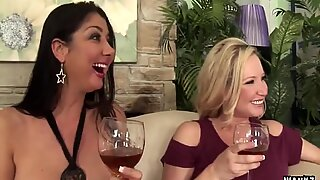 WANKZ- 3 Hot Cougars on Tip Obtain Twats Divide