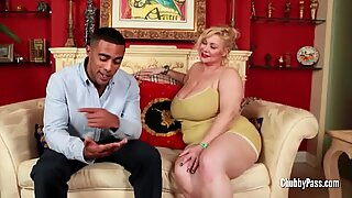 Gorgeous fat chicks get horny and fuck