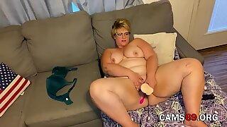 Mature Blonde BBW Masturbates with Toys on Webcam