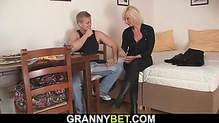 Neighbor doggy-fucks sexy blonde mature woman