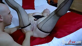 AgedLovE Handy Guy Seduced by Mature Lady
