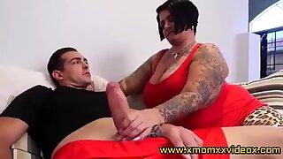 hot plumper milf cant resist - www.xmomxxvideox.com