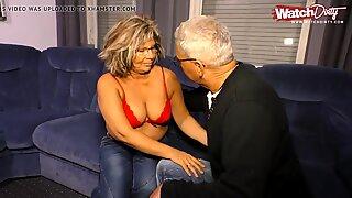 Die Putzfrau geschwaengert